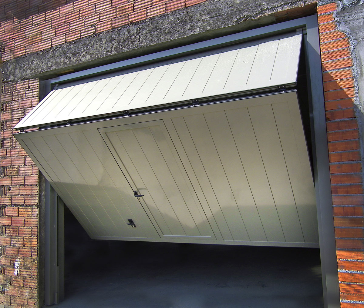 puertas basculantes de aluminio