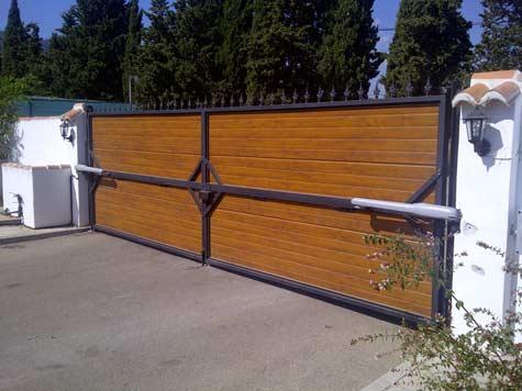 Puerta Abatible acero
