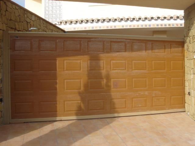 Puertas garaje Nueva Andalucia
