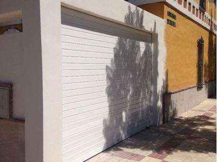 Puerta automatica garaje Marbella