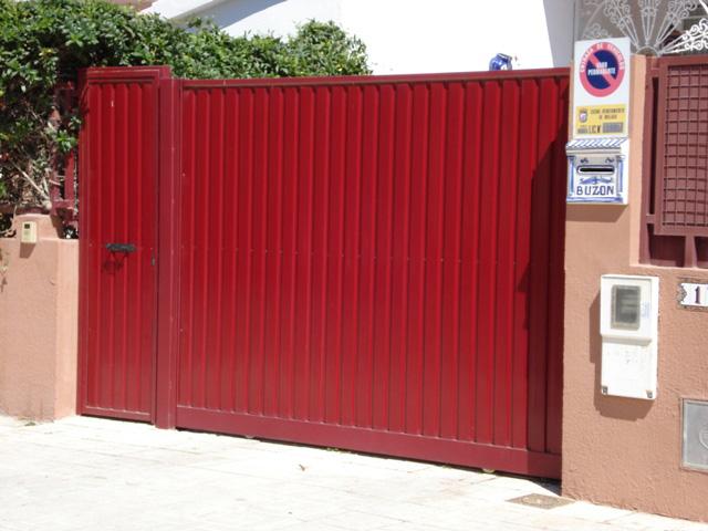Puertas automáticas de garaje en Benahavís