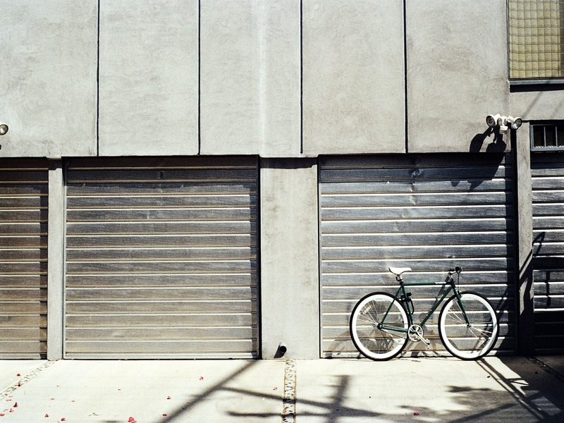 Puerta de garaje de corredera lateral